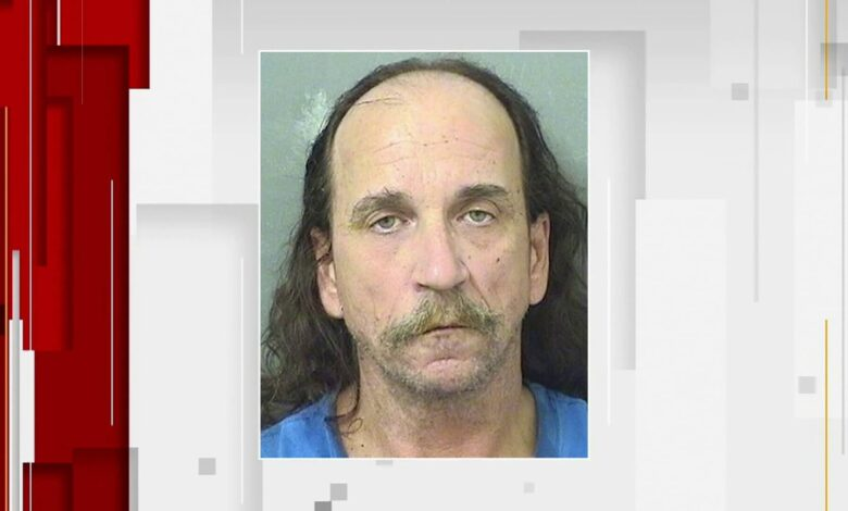 Florida man arrested for exposing himself to a mother and her daughter